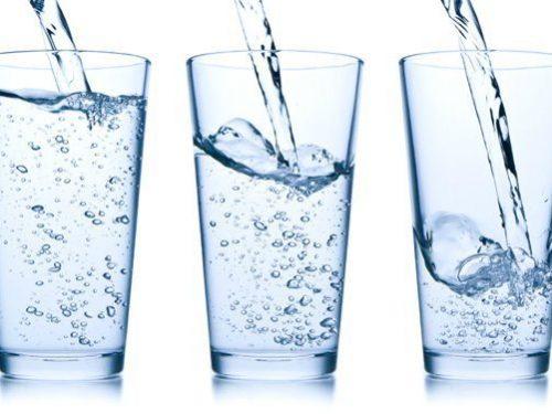 Bere acqua per perdere peso e riattivare il metabolismo
