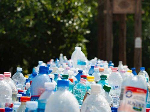 Pericolo plastica, depuratori d'acqua casalinghi per una scelta green